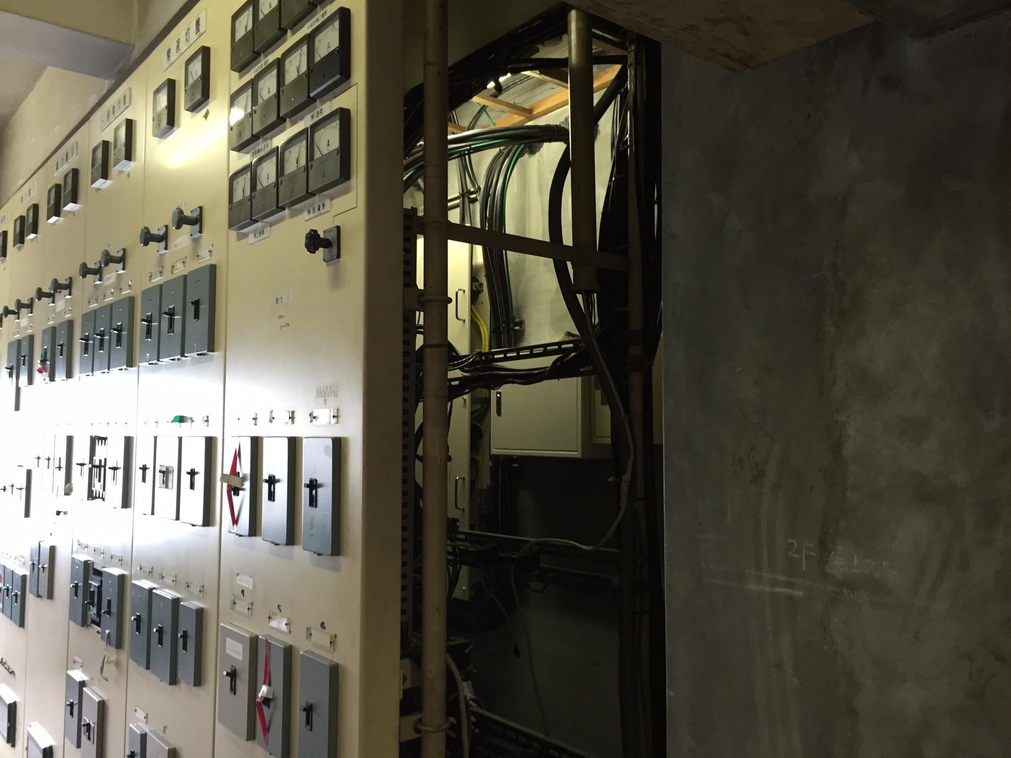 高圧受変電設備_03